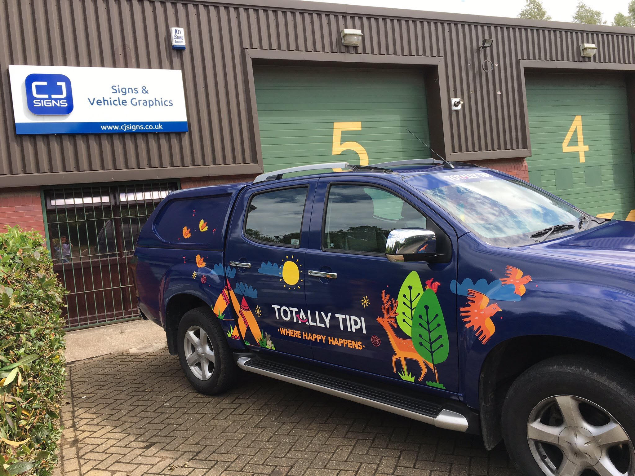 Totally Tipi Vehicle Graphics